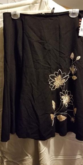 kohls Dresses & Skirts - Black Kohl's mid length skirt Sz.3 Brand New!